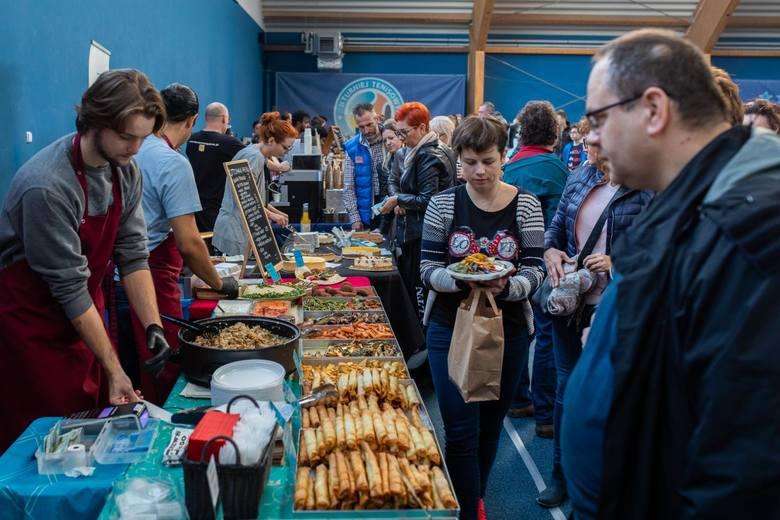 W weekend na obiektach Zawiszy odbywał się Festiwal pierogów świata. Podczas tego kulinarnego wydarzenia uczestnicy mogli spróbować tradycyjnych polskich