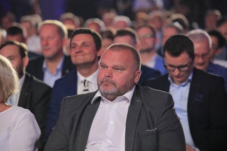 Wybory 2018. Koalicja Obywatelska, czyli PO i Nowoczesna oficjalnie wystartowala w wojewodztwie łódzkim. Umowę podpisano w hali Expo w Łodzi