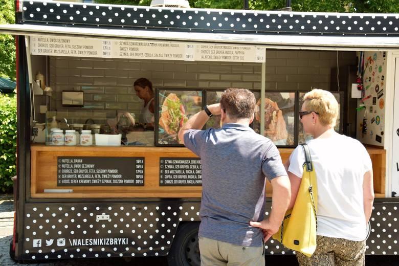 Jesteście głodni? Macie ochotę no coś innego niż zwykle? Przejdźcie dziś (2 czerwca) na Plac Bohaterów w Zielonej Górze. Od soboty do niedzieli do godz.