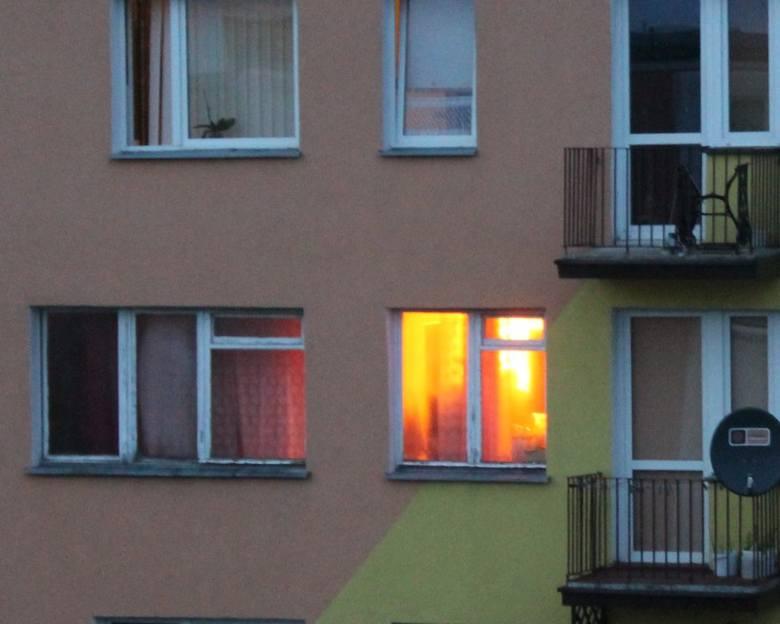Pożar w bloku w Praszce. Zapaliła się kolacja