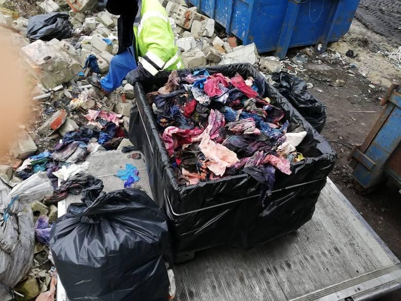 Do Straży Miejskiej wpłynęło zgłoszenie w sprawie wypalania odpadów na terenie strefy gospodarczej przy ulicy Towarowej w Inowrocławiu. Na miejscu strażnicy