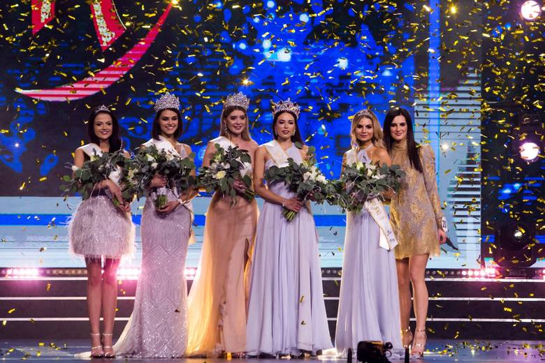 Gala finałowa Miss Polski 2018. Przejdź do galerii, żeby zobaczyć zdjęcia wszystkich kandydatek do tytułu Miss Polski 2018 --->
