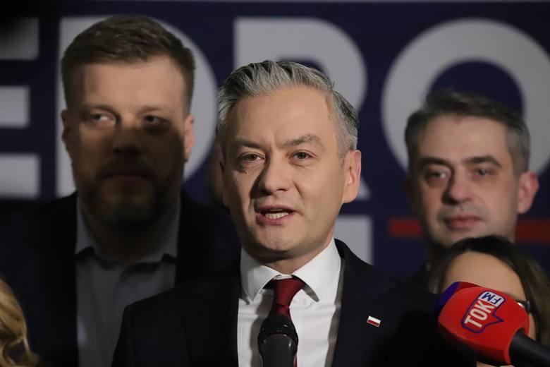 Kandydatem Lewicy będzie europoseł i szef Wiosny - Robert Biedroń.<br /> <br /> <strong>Przejdź do następnego zdjęcia -----></strong><br /> <br />