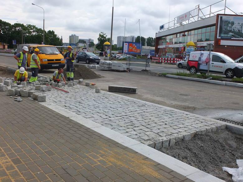 Duży poślizg na ulicy Niemodlińskiej w Opolu [zdjęcia, wideo]