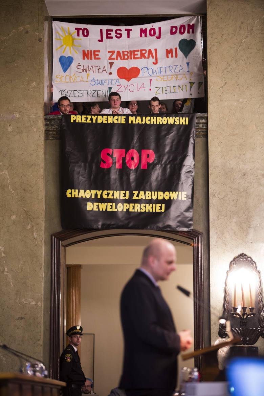 Radni chcą wyjaśnień w sprawie chaotycznej zabudowy Krakowa. Odbyła się nadzwyczajna sesja