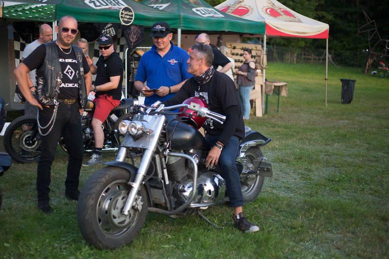 Przez całą sobotę w Dolinie Charlotty trwał CUSTOM MOTO FEST. W zamierzeniach organizatorów przedsięwzięcie ma łączyć w sobie elementy zlotu, festiwalu,