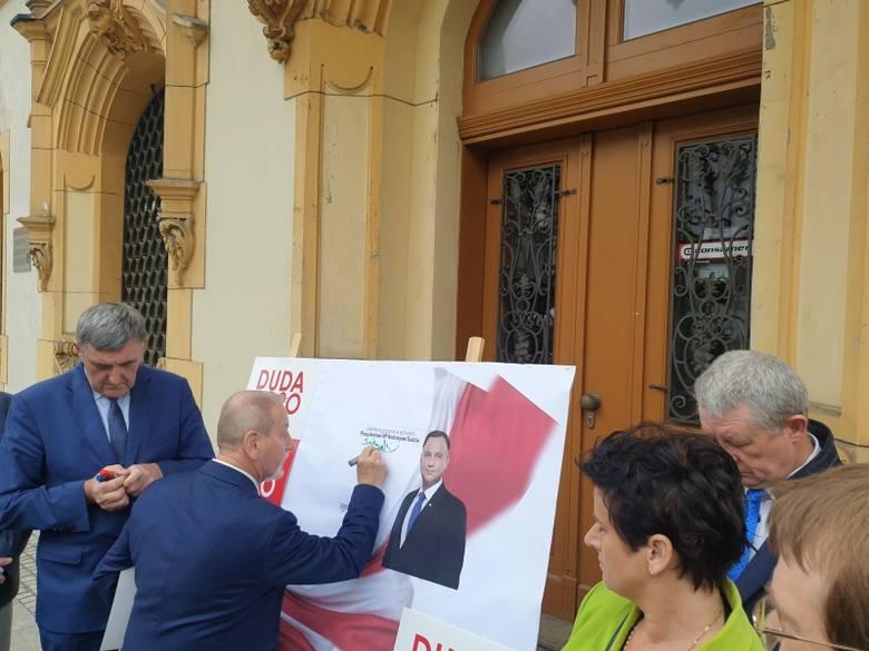 Społeczny komitet poparcia Andrzeja Dudy w Łodzi. Radni, kolejarze i ludzie kultury