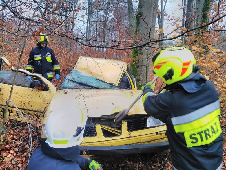 W poniedziałek chwilę po godzinie 17, na drodze krajowej nr 11 za miejscowością Bobolice doszło do groźnie wyglądającego zdarzenia. Jak poinformowała