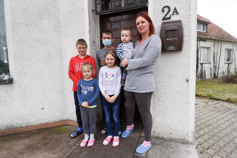 Rodzina Pietruszyńskich czeka na nowy dach nad głową