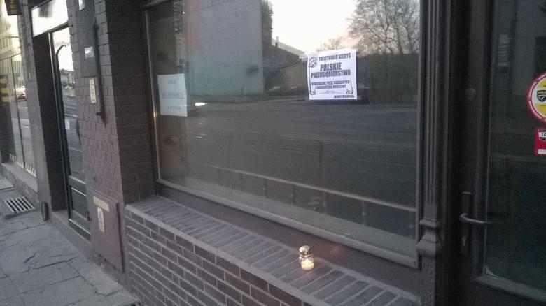 Tu istniało polskie przedsiębiorstwo - klepsydry na byłych gorzowskich księgarniach (zdjęcia)