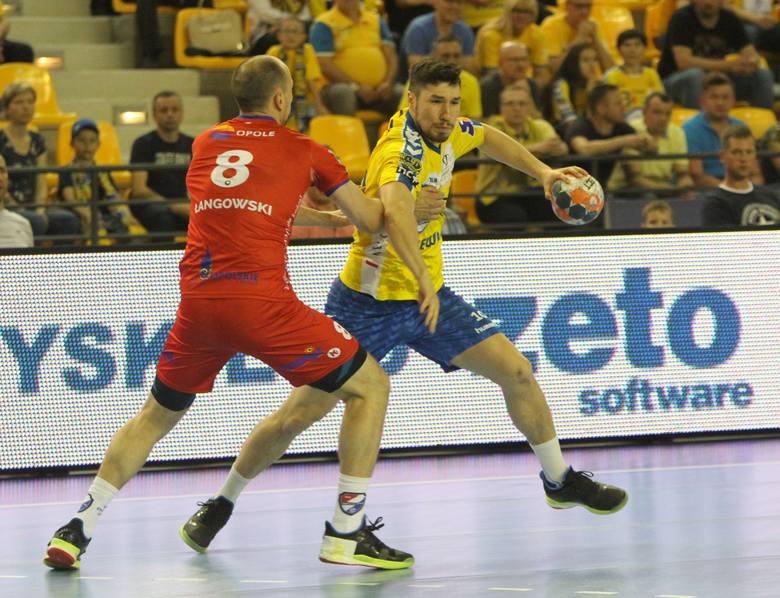Piłkarze ręczni PGE VIVE Kielce wygrali w sobotę rewanżowy mecz półfinału PGNiG Superligi z Gwardią Opole 37:28 i awansowali do wielkiego finału. Kielczanie