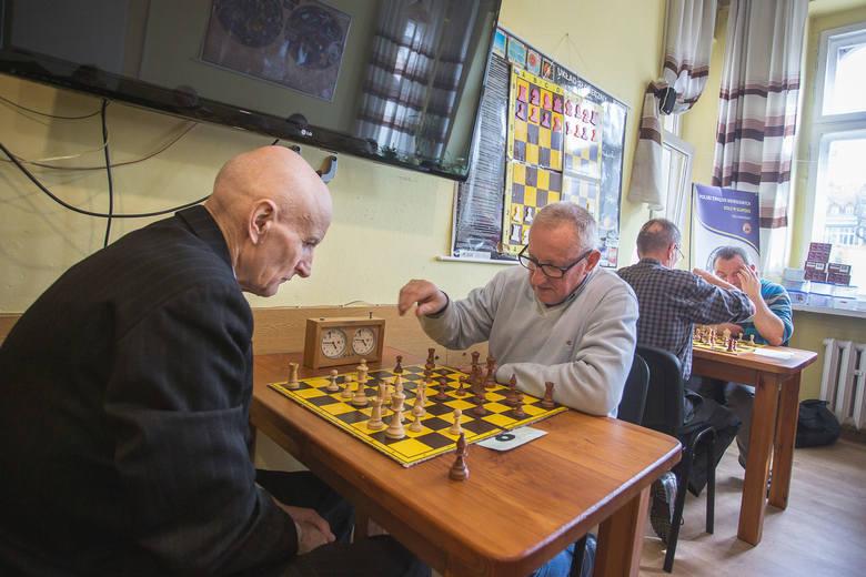 W siedzibie Polskiego Związku Niewidomych w Słupsku przy Al. Sienkiewicza 8 odbył się 2 turniej VII edycji Grand Prix miasta Słupska w szachach szybkich