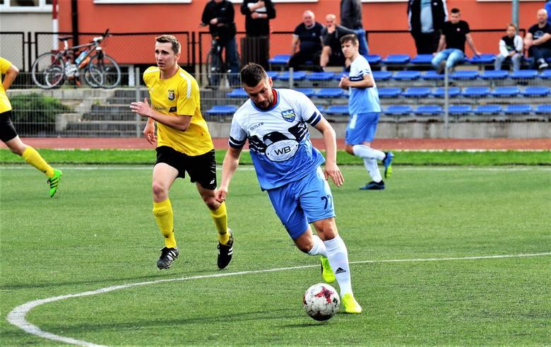 W meczu 17.kolejki piłkarskiej A klasy grupy 3, Piłkarskie Nadzieje Mielec pokonały Start Wolę Mielecką 8:1. Tym samym drużyna z mielca utrzymała się
