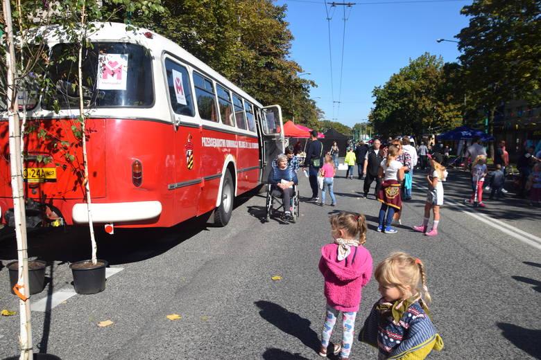Dzień bez Samochodu w Tychach: Wróciły stare autobusy i trolejbus ZDJĘCIA