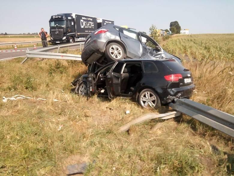 Dzisiaj (poniedziałek) doszło do wypadku w Konarzynkach (trasa Bytów – Chojnice). Kierowca nissana nie ustąpił na skrzyżowaniu pierwszeństwa kierowcy