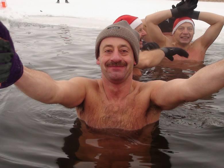 Sławomir Gruszka z Torunia dotąd angażował się w niemal wszystkie akcje charytatywne, o jakich usłyszał. Dziś sam potrzebuje pomocy. Pilnie szuka bliźniaka genetycznego. Przeszczep szpiku pomoże mu wyjść z ciężkiej choroby