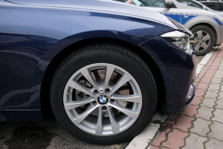 Policjanci z wydziału ruchu drogowego przemyskiej komendy policji, mają do dyspozycji nowy nieoznakowany radiowóz BMW 330i XDrive. Samochód ten zastąpił