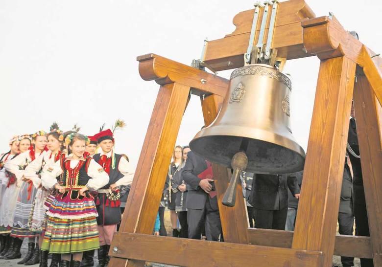 Dzwon w Brzegach już czeka na pielgrzymów
