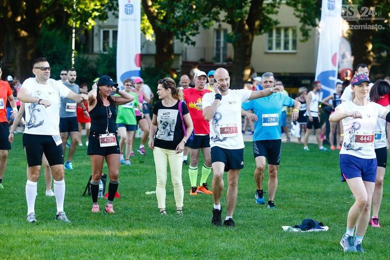 Bloger Andrzej Witek wygrał 37. edycję szczecińskiego półmaratonu rozegranego przy upalnej pogodzie w ostatni weekend wakacji. W biegu na 10 km triumfował