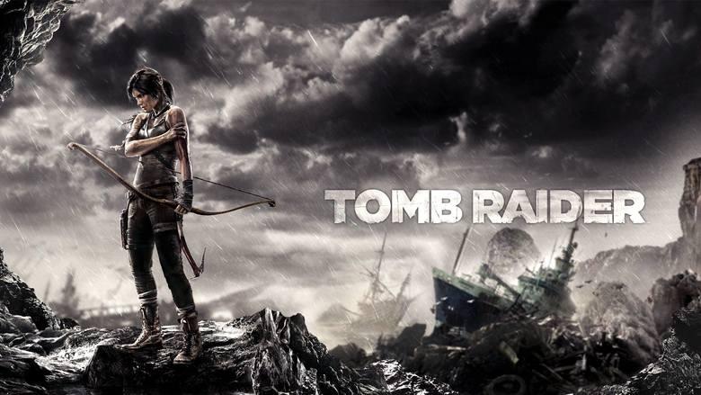 21-letnia Lara Croft w poszukiwaniu reliktów starożytnych cywilizacji, wybiera się na jedną z wysp położonych w pobliżu Japonii. Przy brzegu, ich statek