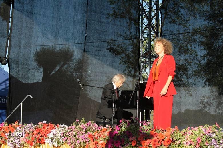 Alicja Majewska przybyła z recitalem promującym jej najnowszą płytę. Artystka zaśpiewała nie tylko najnowsze piosenki, ale i przypomniała też swoje największe
