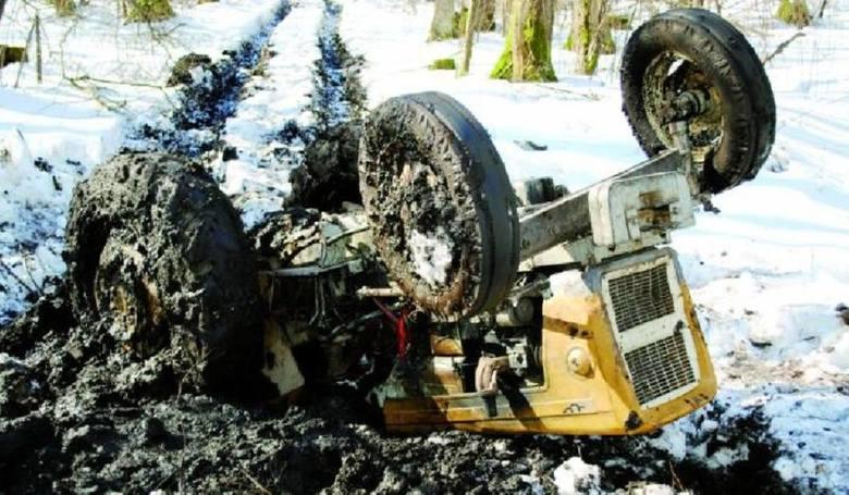 W marcu 2010  w kompleksie leśnym w pobliżu miejscowości Wyliny-Ruś (gm. Szepietowo) doszło do tragicznego wypadku. Pochodzący z gm. Rudka mężczyzna