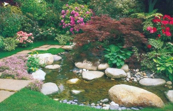 Aby ogród był piękny, nie należy przeceniać  skuteczności preparatów naturalnych.