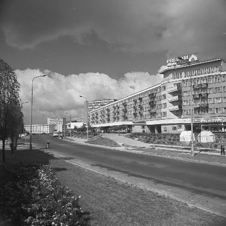 """Zdjęcia pochodzą z Archiwum Fotografii Ośrodka """"Brama Grodzka - Teatr NN"""", a prawa do wszystkich fotografii wykonanych przez Edwarda"""