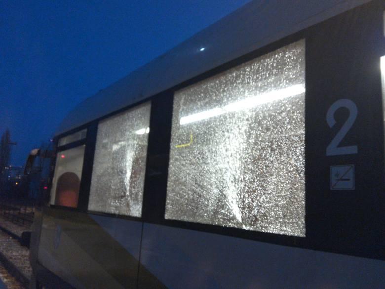 23 lutego, około godziny 17.42 został ostrzelany z wiatrówki pociąg. Doszło do tego na trasie między Głogowem a stacją Głogówek.