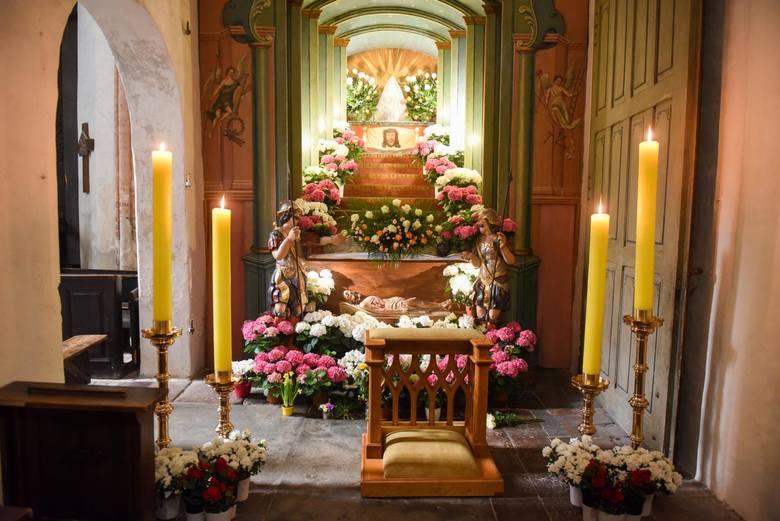 - Wielkanoc to najważniejsze święto w religii katolickiej. A my obchodzimy je bez udziału wiernych - mówi o. Zbigniew Leczkowski, superior domu zakonnego