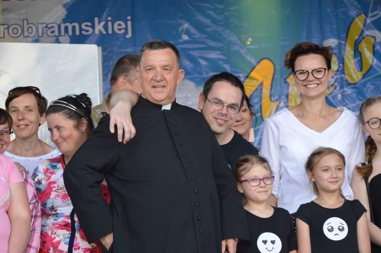 Festiwal Piosenki Chrześcijańskiej Muzyką do Nieba w Skarżysku - Kamiennej już po raz XII. Zobacz zdjęcia