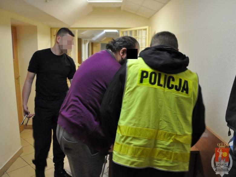 """Według śledczych Arkadiusz Ł. wymyślił oszustwo """"na wnuczka"""" i kierował gangiem, który okrada seniorów w Europie"""