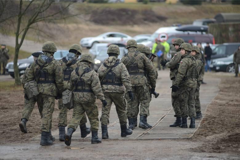 Gen. Robert Jędrychowski przerywa milczenie. Chodzi o farmę trolli w żandarmerii