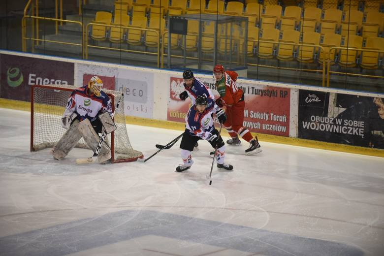 KH Energa Toruń wygrała 3:0 z Zagłębiem Sosnowiec w meczu 31. kolejki Polskiej Hokej Ligi. Bramki dla toruńskiego zespołu zdobyli Daniil Oriekhin, Piotr