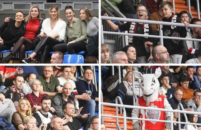 Kibice Startu Lublin przeżywali emocje do ostatniej sekundy. Zobacz fanów koszykówki w hali Globus