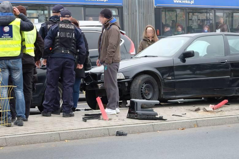 W piątek przed godz. 14 na skrzyżowaniu ulic Pogodnej i Wiejskiej w Białymstoku doszło do niebezpiecznego zdarzenia.
