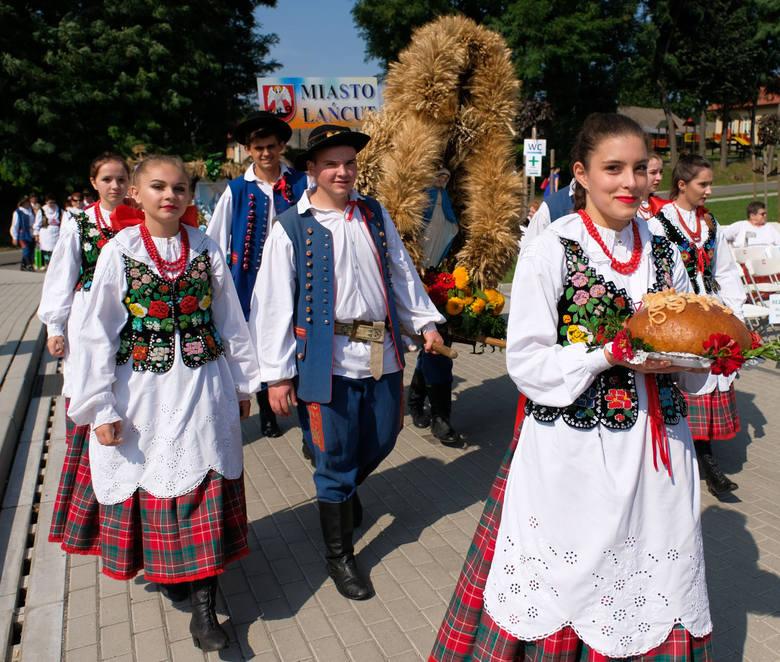 W niedzielę w Markowej k. Łańcuta odbyły się 36. Dożynki Archidiecezji Przemyskiej i 19. Dożynki Województwa Podkarpackiego. Wśród gości był m.in. Sekretarz