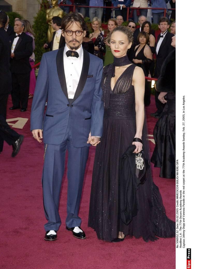 Johnny Depp i Vanessa Paradis na 77. gali rozdania Oscarów w 2005 r.