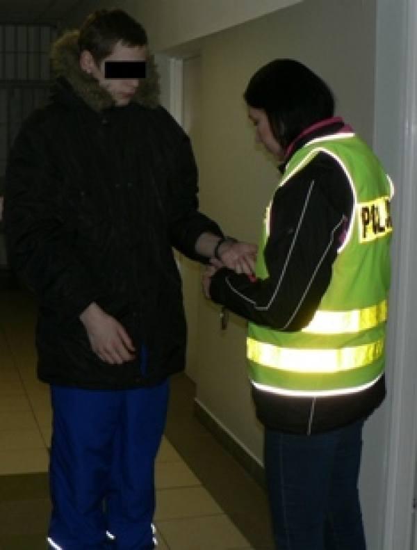 Sprawcy napadu na bar w Piaskach zatrzymani.