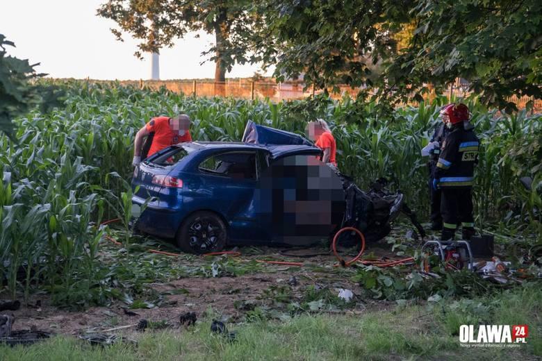Dwie młode osoby zginęły w wypadku pod Wrocławiem