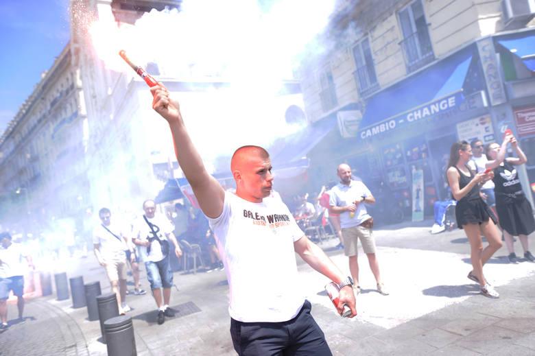Polscy kibice opanowali Marsylię. Wspaniała atmosfera pod Stade Velodrome [GALERIA]