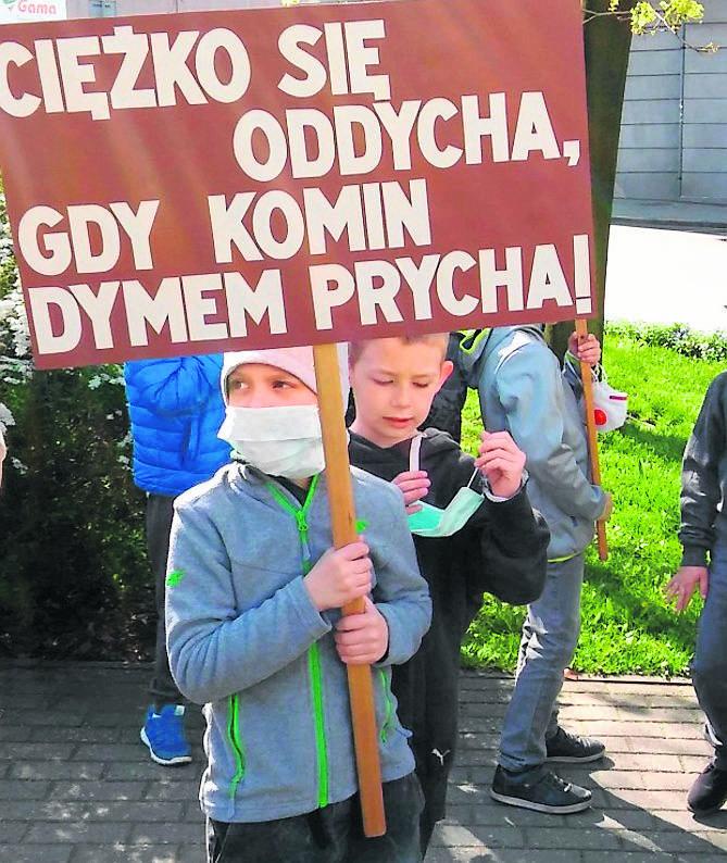 Smog jest groźny dla dzieci. Dlatego w Chwałowicach chcą, aby oczyszczacze znalazły się w przedszkolach i szkołach.