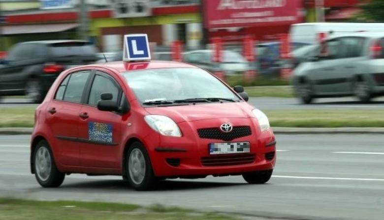 Egzamin na prawo jazdy łatwiejszy, bo bez trudnych manewrów. Czy młodzi kierowcy będą jeździć lepiej i bezpieczniej? [13. 9. 2019 r.]