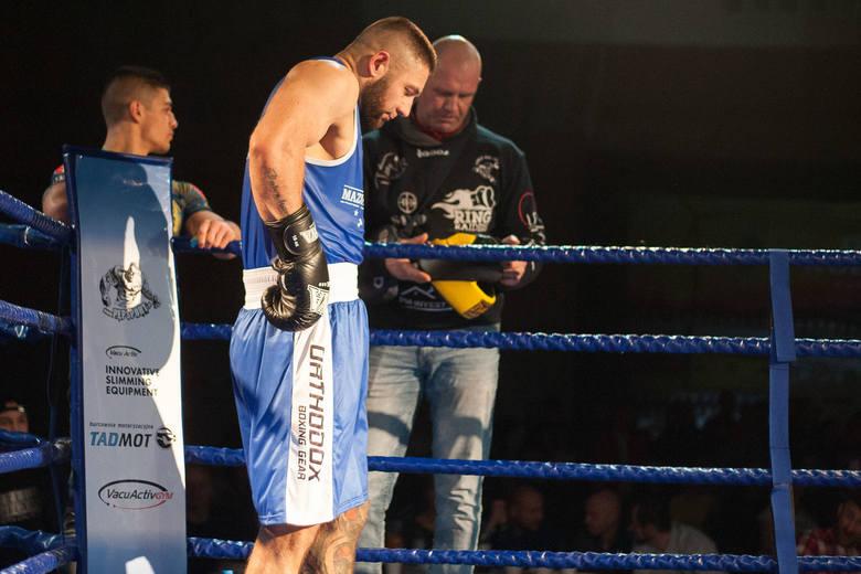 Po raz pierwszy do Kobylnicy zawitał boks. Gala Białych Kołnierzyków - bo taką nosiło nazwę to wydarzenie - odbyła się w hali sportowej przy Szkole Podstawowej