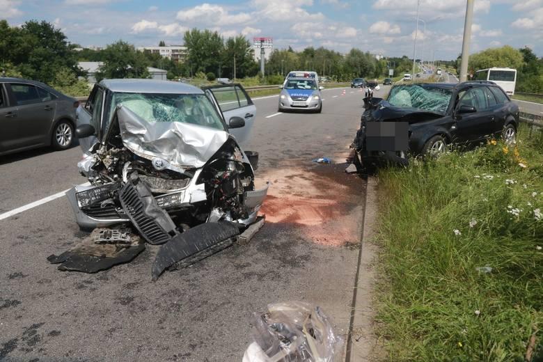 poważny wypadek aut na al. Sobieskiego we Wrocławiu