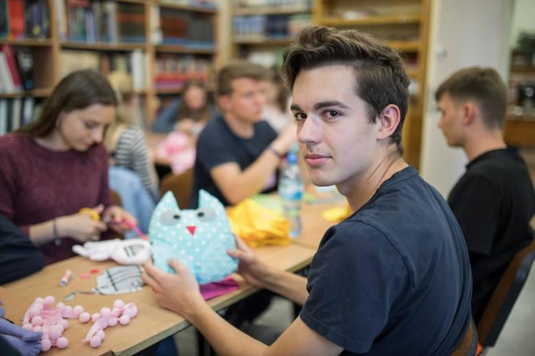 """Uczniowie biorą udział w unijnym projekcie Erasmus+ """"Rowerem do zmian"""". Jest on realizowany przez I LO i działające przy nim Bydgoskie"""