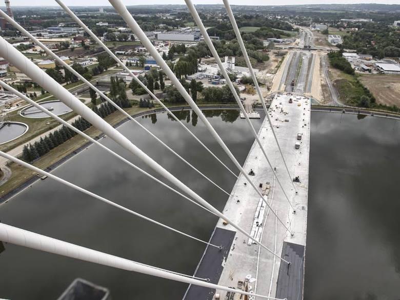 Jak wygląda Rzeszów z pylonu nowego mostu na Wisłoku FOTO, WIDEO]