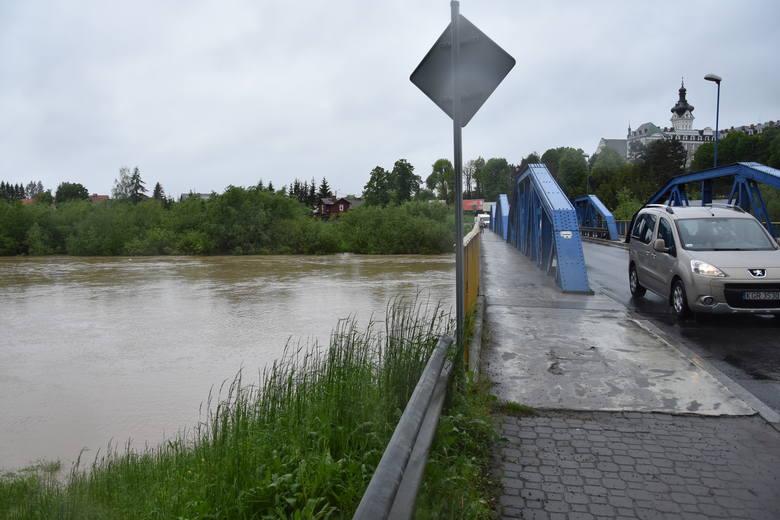 Powódź w regionie tarnowskim. W Tuchowie obawiają się wielkiej wody [ZDJĘCIA]