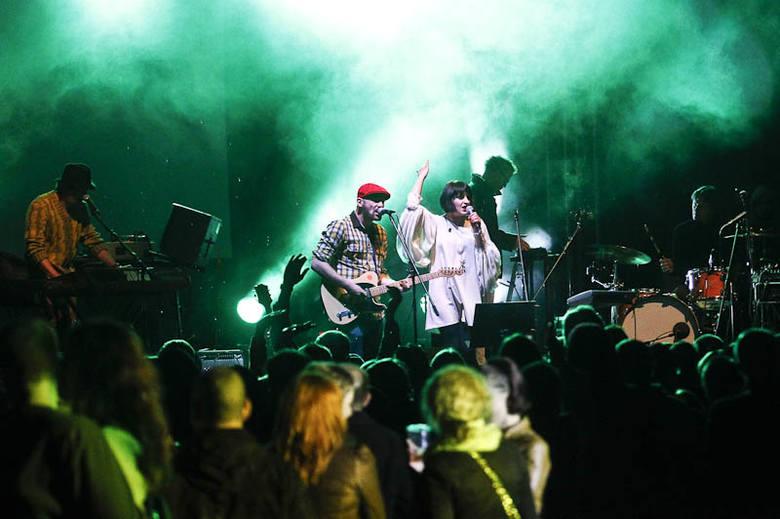 L.U.C. i Smolik zagrali na terenach PKP w Rzeszowie w ramach Festiwalu Przestrzeni Miejskiej 2013.Czytaj więcej o Festiwalu Przestrzeni Miejskiej