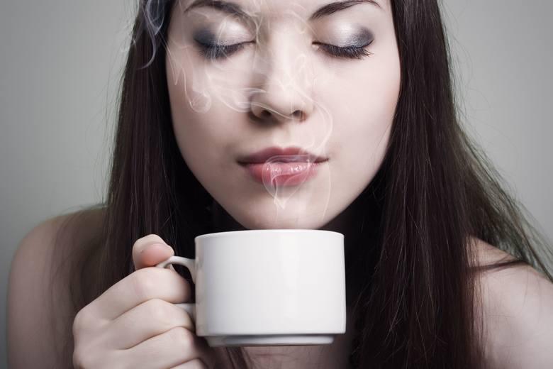 Gronkowcom może szkodzić gorąca kawa i herbata